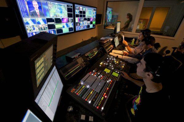 Como trabalhar na TV e no rádio