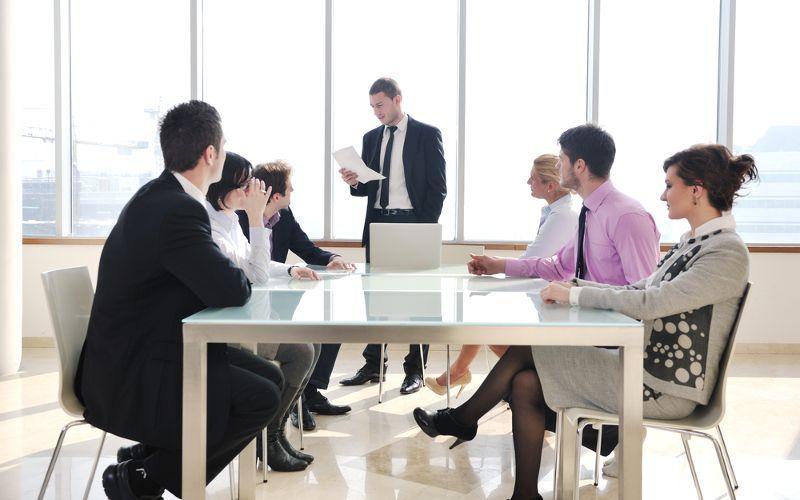 Chefe na reunião