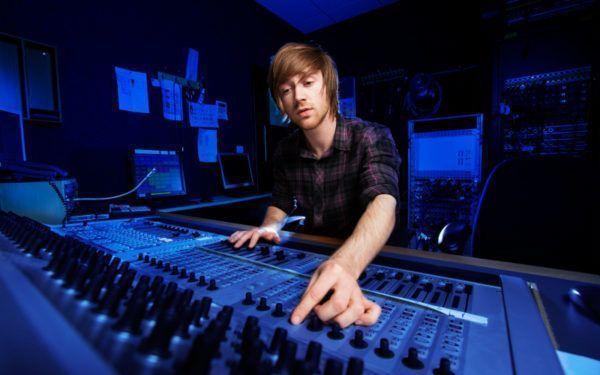 O que um engenheiro de som faz