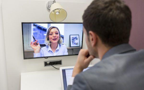 Como passar com êxito em uma entrevista on-line