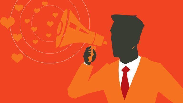 Homem com alto falante