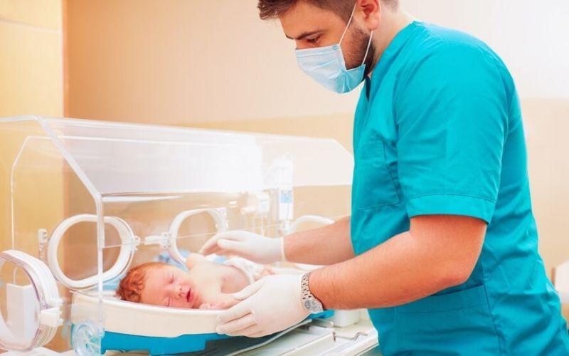 Neonatologista