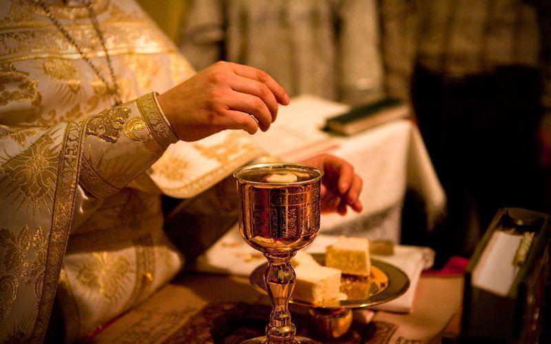 Padre no altar