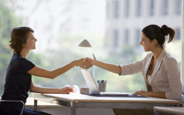 Como se comportar em um novo emprego