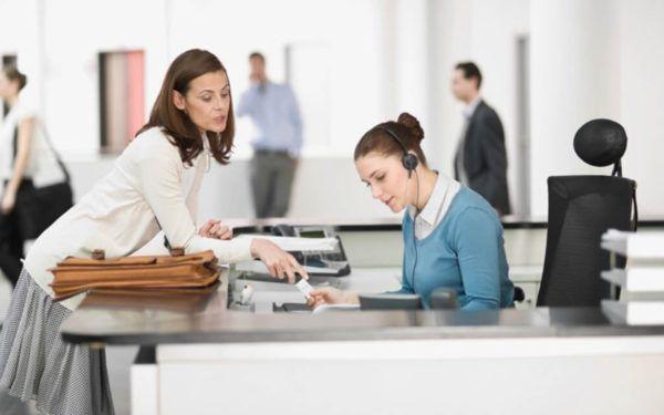 Como escolher uma recepcionista